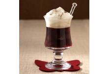 Фарисей (Германия) --> Тази напитка е измислена в Германия, за да замаскира наличието на алкохол на семейни тържества: под обилен похлупак от бита сметана се